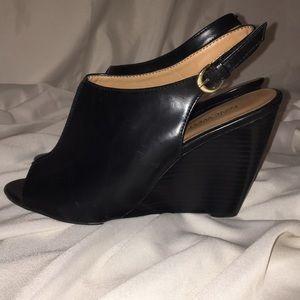 "Nine West Wedges Women's peep-toe 9M 4"" PU shoes"